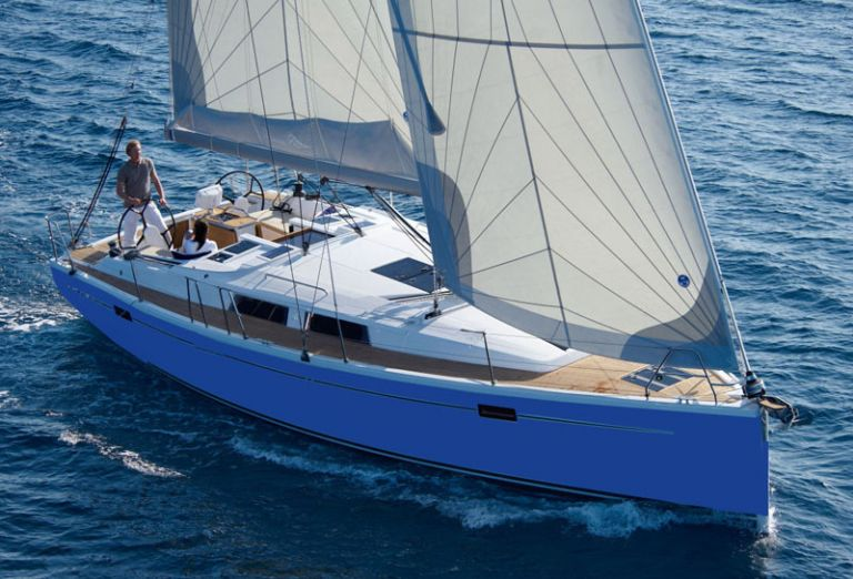 Aeolus Yacht photo2.jpg